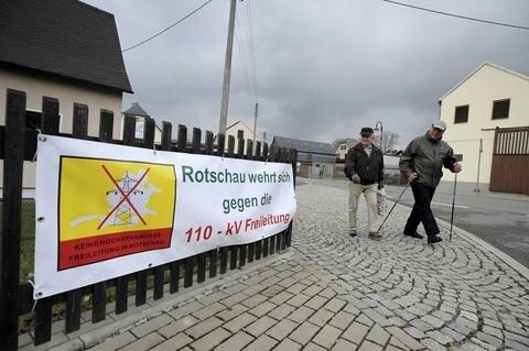 <p>7. März: 2016 wird als Jahr etlicher Proteste in die Geschichte des Vogtlandes eingehen. Im März macht eine Bürgerinitiative im Reichenbacher Ortsteil Rotschau Widerstand gegen Pläne einer 110-Kilovolt-Freileitung öffentlich. Inzwischen machen zahlreiche Bürgerinitiativen mobil: Neumark, Grünbach und andere.</p>
