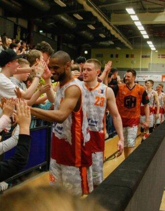 <p>Vorgeschmack auf die Playoffs. Gegen das Top-Team Heidelberg lagen die Sachsen lange Zeit zurück, drehten die Partie aber und gewannen schlussendlich mit 79:67.</p>