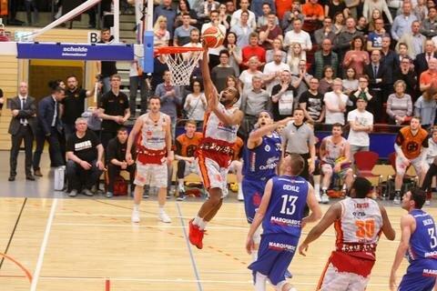 <p>Niners-Spieler Virgil Matthews am Ball</p>