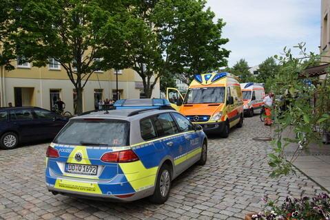 <p>Polizisten mit schusssicheren Westen rückten an, auch ein Rettungshubschrauber war im Einsatz.</p>