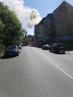 <p>Zur Brandursache ermittelt die Polizei.</p>