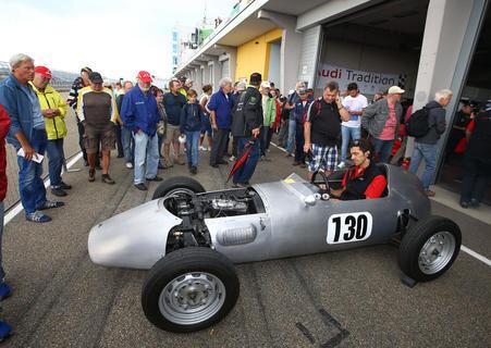 <p>Audi hat einen DKW Hartmann Formel Junior am Start. Im Baujahr 1961 wurden nur 13 Stück gebaut.</p>