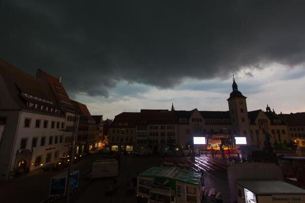 <p>Als Grund nannte des Stadtoberhaupt eine Unwetterwarnung.</p>