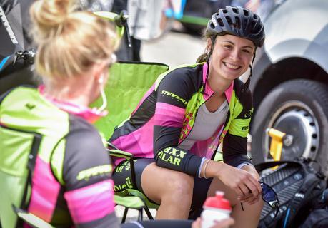 <p>Die Chemnitzerin Melanie Wotsch vom maxx-solar Lindig Team vor dem Start zum Einzelzeitfahren am Freitag im Fahrerlager</p>