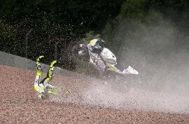 <p>Beim ersten Training der MotoGP am Freitag stürzte der Spanier Alvaro Bautista mit seiner ...</p>