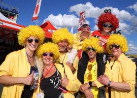 <p>Motorsport-Fans aus Bad Schlema brachten am Freitag gute Stimmung mit.</p>