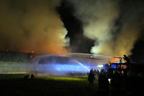 <p>Im Einsatz an der Scheune an der Dittrichstraße waren nach Polizeiangaben die Kameraden der Feuerwehren Meerane, Schönberg, Pfaffroda und Ponitz.</p>