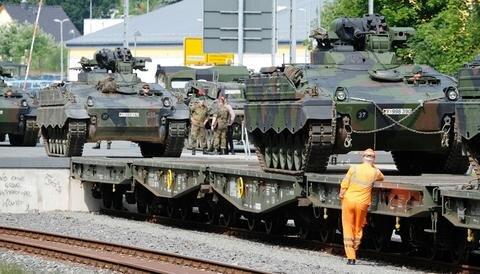 <p>Die Sachsen lösen das Panzergrenadierbataillon 122 aus Oberviechtach (Bayern) ab, das im ersten Halbjahr 2017 in Litauen im Einsatz war.</p>