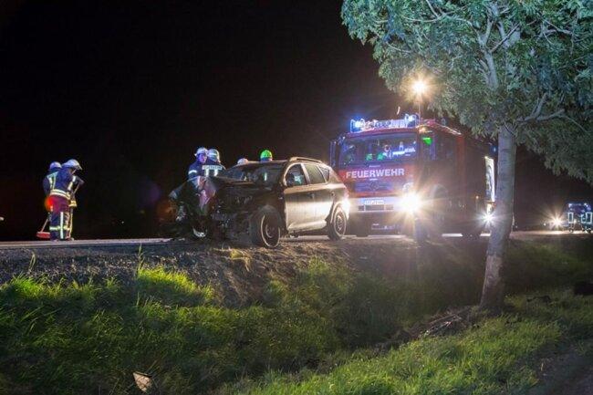<p>Der Fahrer wurde schwer verletzt in ein Krankenhaus eingeliefert.</p>