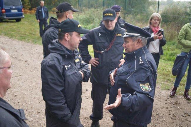 """<p>""""Die Übung erfolgte im Rahmen von EU-Projekten zur Förderung der sächsisch-tschechischen Polizeizusammenarbeit"""", erklärte Oliver Wurdak, Sprecher der Polizeidirektion Zwickau.</p>"""