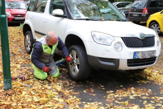 <p>Nach Angaben der Polizei waren hier allerdings auch Fahrzeuge betroffen, die nicht verkehrswidrig parkten.</p>
