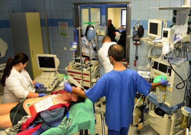 <p>Auch die OP wird im Krankenhaus Mittweida durchgespielt.</p>
