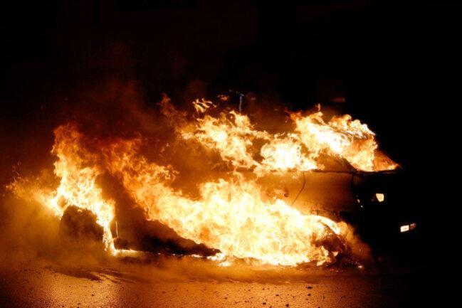 <p>Die Feuerwehr Chemnitz war etwa zwei Stunden zum Löschen im Einsatz.</p>