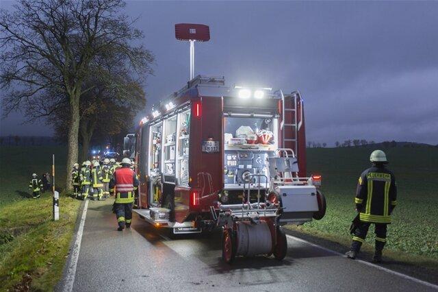 <p>Einsatzkräfte haben am Freitagnachmittag einen Unfall eines Gefahrguttransporters im Marienberger Ortsteil Lauterbach verhindern können.</p>