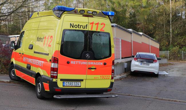 <p>Unbestätigten Informationen zufolge musste der Mann vom Rettungsdienst reanimiert werden.</p>