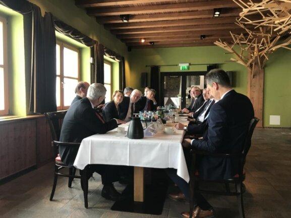 <p>Beim Besuch des Bundespräsidenten auf dem Fichtelberg ging es auch um die Zukunft der Demokratie.</p>