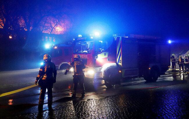 """<p xmlns:php=""""http://php.net/xsl"""">Wie die Feuerwehr mitteilte, waren sämtliche Berufsfeuerwachen...</p>"""