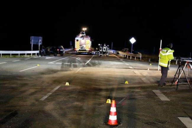 <p>Die beiden Fahrer wurden schwer verletzt; eine 57-jährige Skoda-Insassin und eine 72-jährige Honda-Insassin wurden leicht verletzt.</p>