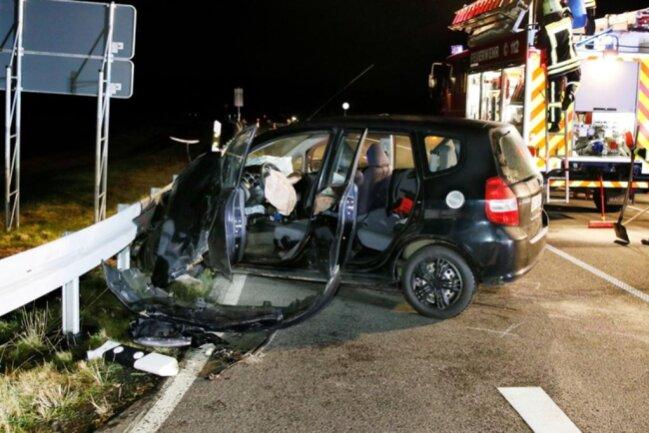 <p>Gegen 19.30 Uhr wurde die Unfallstelle für den Verkehr wieder freigegeben.</p>