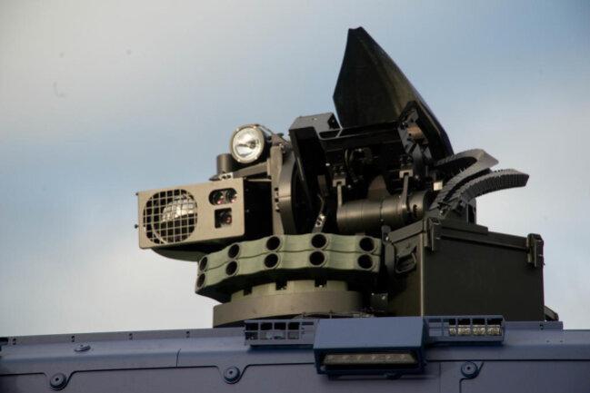 <p>Im Folgenden weitere Bilder des Panzerwagens...</p>
