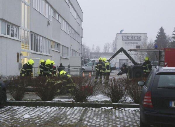 <p>Wie die Polizei mitteilte, wurde die unbekannte Sendung 13.45 Uhr im Gebäude an der Jagdschänkenstraße abgegeben.</p>
