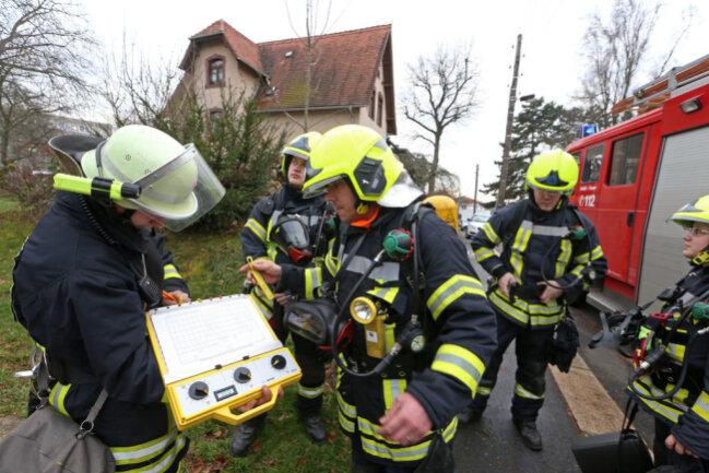<p>Die Heizungsanlage war aufgrund der Hitzeeinwirkung defekt. Personen sind bei dem Vorfall nicht zu Schaden gekommen. Den Sachschaden schätzt die Polizei nach ersten Angaben auf rund 10.000 Euro.</p>