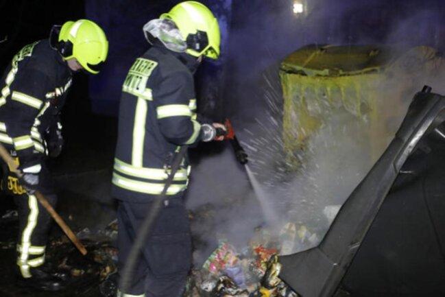 """<p xmlns:php=""""http://php.net/xsl"""">Die Feuerwehr sprach von insgesamt18 Einsatzstellen.</p>"""
