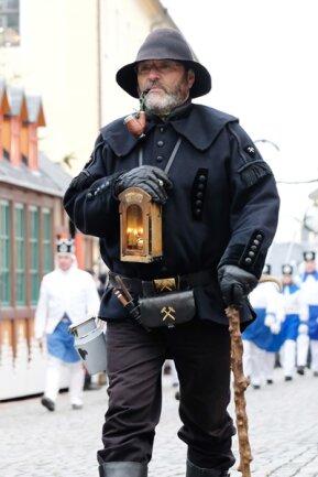 <p>Bergparaden und -aufzüge im Erzgebirge sind fester Bestandteil sächsischer Kultur.</p>