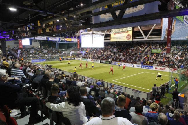 <p>Knapp 4000 Zuschauer verfolgten die Partien in der Chemnitz Arena.</p>