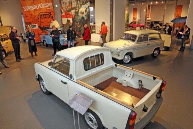 """<p>Besucher finden den himmelblauen Schorsch aus dem Filmklassiker """"Go Trabi Go"""", einen Prototypen mit Dieselmotor und einen der letzten 444 Wagen mit einer einmaligen Sonderlackierung.</p>"""