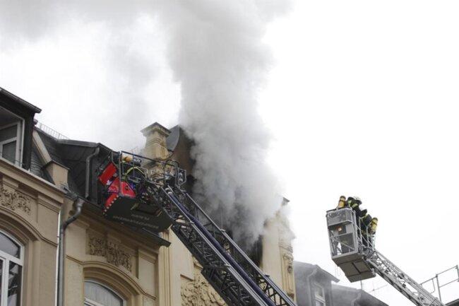 """<p xmlns:php=""""http://php.net/xsl"""">Die Ursache des Feuers war zunächst unklar.</p>"""