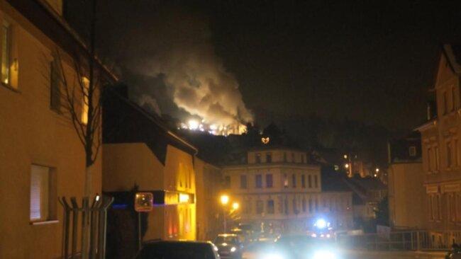 <p>Die Flammen waren bereits weithin sichtbar.</p>