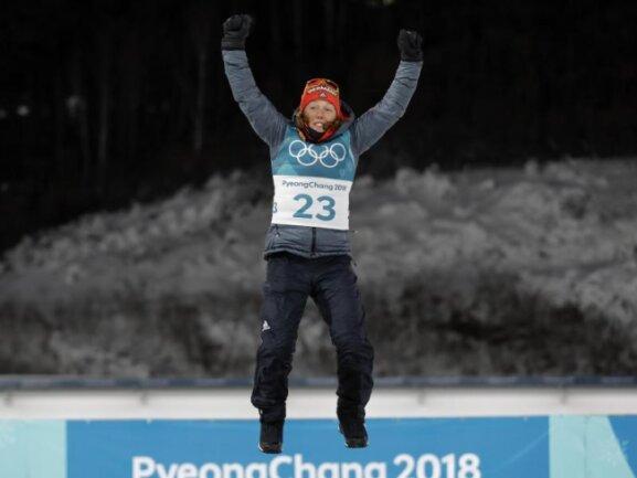 <b>Gold für Deutschland</b><br/>Laura Dahlmeier hat den Sprint in Pyeongchang für sich entschieden und damit die erste Goldmedaille für den DOSB gesichert. Foto: Andrew Medichini<br/>10.02.2018 (dpa)
