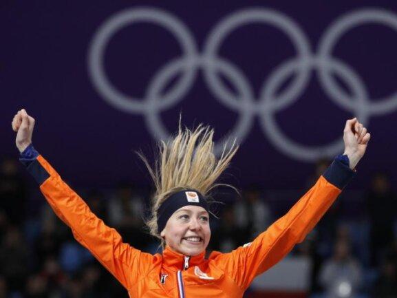 <b>Oranje-Dominanz</b><br/>Die Oranje-Dominanz im Eisschnelllauf geht weiter: Esmee Visser gewinnt über 5000 Meter. Es ist bereits die sechste Goldmedaille der Niederlande im Eisschnelllauf. Foto: Vadim Ghirda/AP<br/>16.02.2018 (dpa)