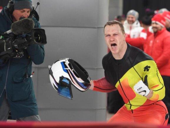 <b>Stark</b><br/>Bob-Pilot Francesco Friedrich jubelt laut im Ziel. Der Deutsche wurde Zweierbob-Olympiasieger - zeitgleich mit dem Kanadier Justin Kripps. Foto: Tobias Hase<br/>19.02.2018 (dpa)