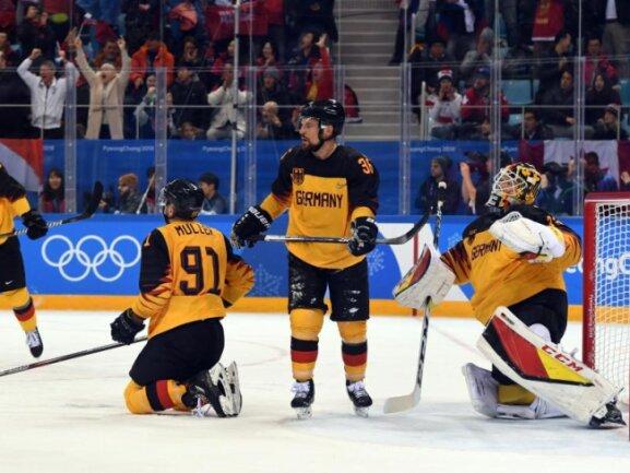 <b>Enttäuschung</b><br/>Die deutsche Eishockey-Nationalmannschaft verliert nach großem Kampf das Finale gegen Russland unglücklich mit 3:4 nach Verlängerung. Foto: Angelika Warmuth<br/>25.02.2018 (dpa)