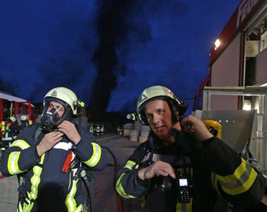 """<p>Zur Brandursache ermittelt die Zwickauer Kriminalpolizei. """"Die Kollegen sind zur Brandursachenermittlung vor Ort"""", sagte Polizeisprecher Herzig.</p>"""
