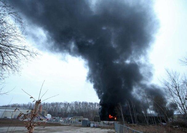 <p>Der Großbrand hatte nicht nur die Rettungskräfte aus der näheren Umgebung beschäftigt.</p>
