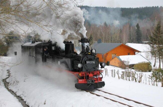 """<p>Insgesamt 800 Passagiere waren am Sonntag sowie eine Woche zuvor unter dem Motto """"Winterdampf"""" mit dem nostalgischen Zugensemble nach Stützengrün und zurück unterwegs.</p>"""