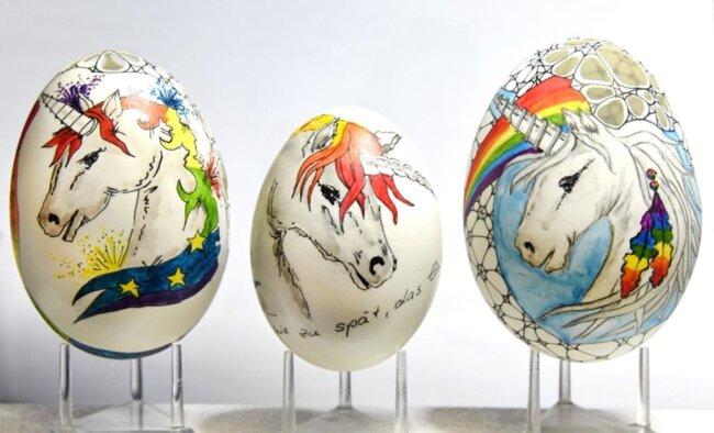 <p>Bei Speiseweihen waren ab dem 12. Jahrhundert zu Ostern Eier in der Kirche geweiht worden.</p>