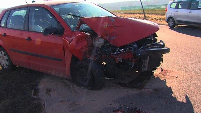 <p>In der weiteren Folge fuhr eine 19-Jährige mit ihrem VW auf den Transporters auf und schob diesen auf den Dacia.</p>