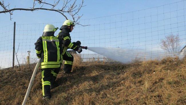<p>Die Feuerwehren aus Dittersdorf, Grüna und Affalter wurden am Nachmittag zur Kühnhaider Straße alarmiert, um den Brand zu löschen.</p>