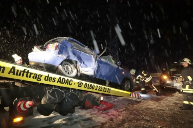 <p>Die Fahrerin kam schwer verletzt in ein Krankenhaus.</p>