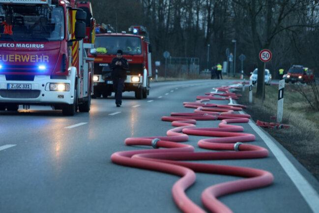 <p>Da Brandstiftung nicht ausgeschlossen werden kann, haben Brandursachenermittler der Kriminalpolizei die Ermittlungen aufgenommen.</p>