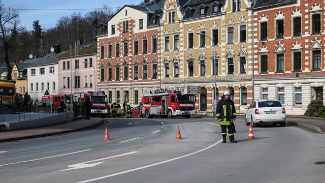 """<p xmlns:php=""""http://php.net/xsl"""">Die Karlsbader Straße war für die Dauer des Einsatzes gesperrt.</p>"""