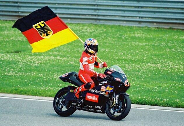 <p>Sachsenring 1999:&nbsp;150.000 Zuschauer sahen Waldmann zu.</p>