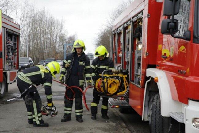 <p>Der 29-jährige Lkw-Fahrer erlitt leichte Verletzungen. Schaden: 17.000 Euro.</p>