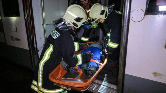 <p>Unverletzte wurden im Anschluss zur Sammelstelle gebracht.</p>