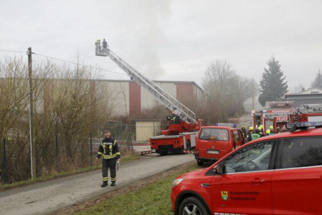 <p>Wie die Polizei mitteilte, wurde der Brand einer Lagerhalle gegen 5.45 Uhr bemerkt.</p>