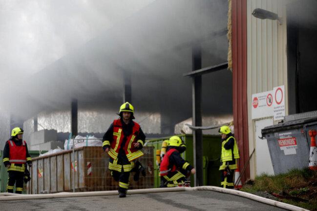 <p>Auf der Mülldeponie im Drebacher Ortsteil Grießbach ist am Freitagfrüh ein Feuer ausgebrochen.</p>